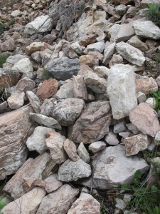 loose stones at top of col1 26-3-13