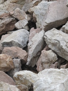 loose stones at top of col4 26-3-13