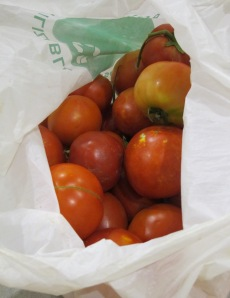 roasted tomato salad - bag of P's tomatoes 9-8-13