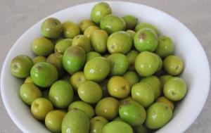 3 olives in bowl 17-11-11