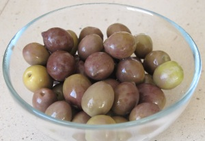 5 olives in bowl 17-3-12