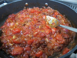 tomato sauce in pan 13-11-13