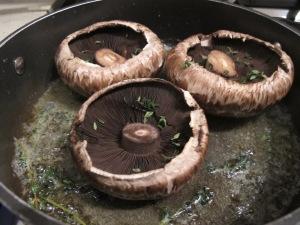 mushrooms in the pan 19-12-13
