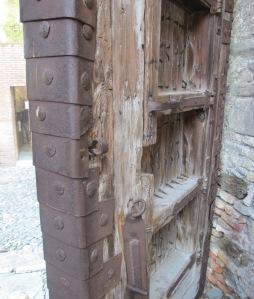 Malaga - old door 27-10-10