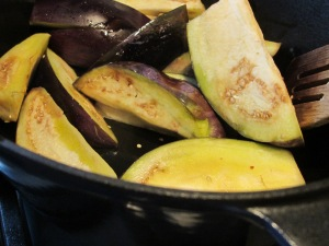 aubergines-browning-in-pan