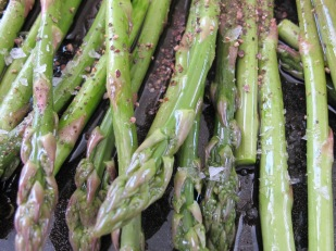 asparagus-ready-to-go-in-the-oven-18-4-15