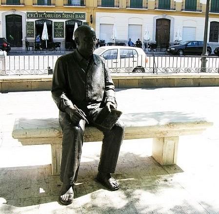 Malaga - Picasso statue